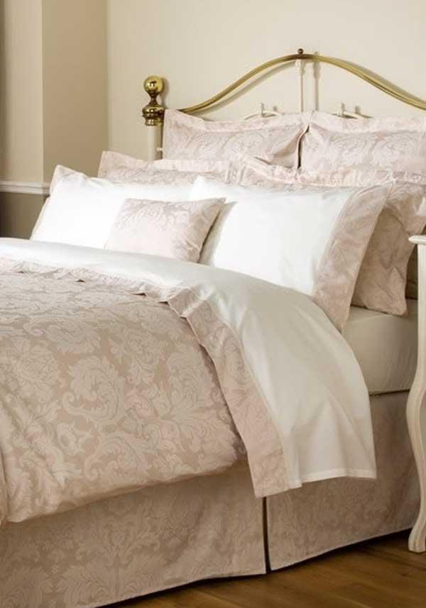 Christy Bedlinen Collection Figaro Flat Sheet