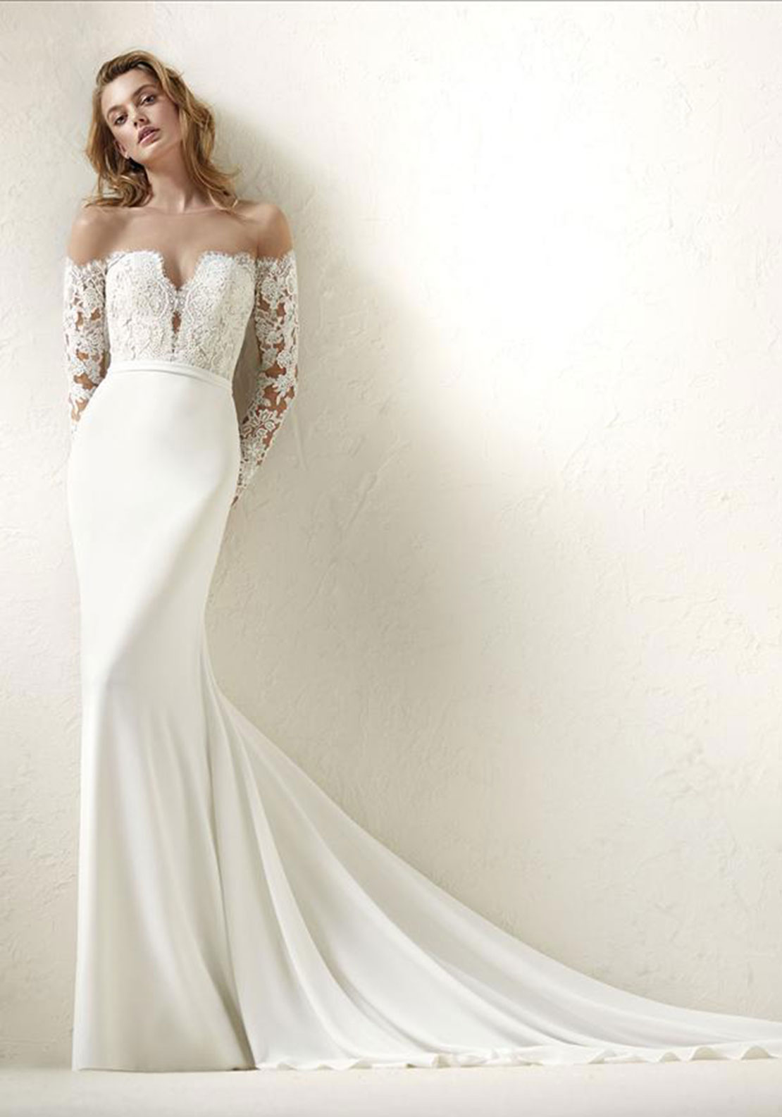 Pronovias Dracma Wedding Dress