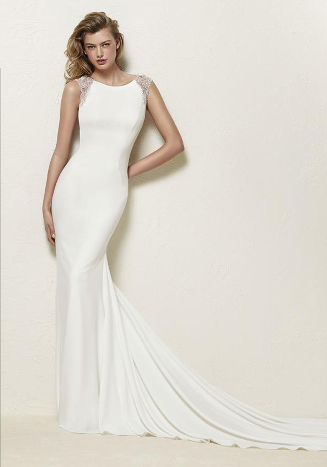 Pronovias Dravidia Wedding Dress