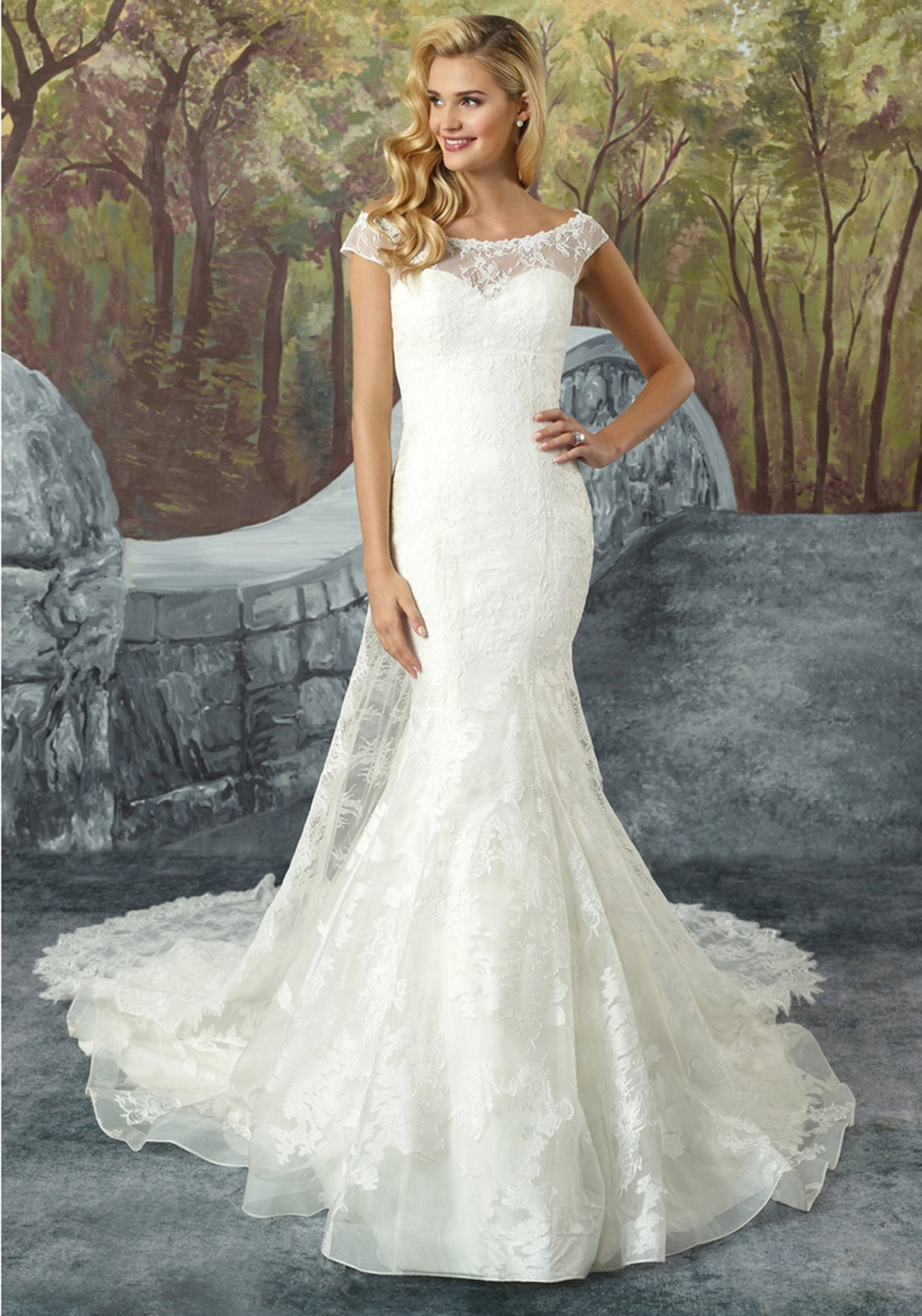 Justin Alexander 8925 Wedding Dress