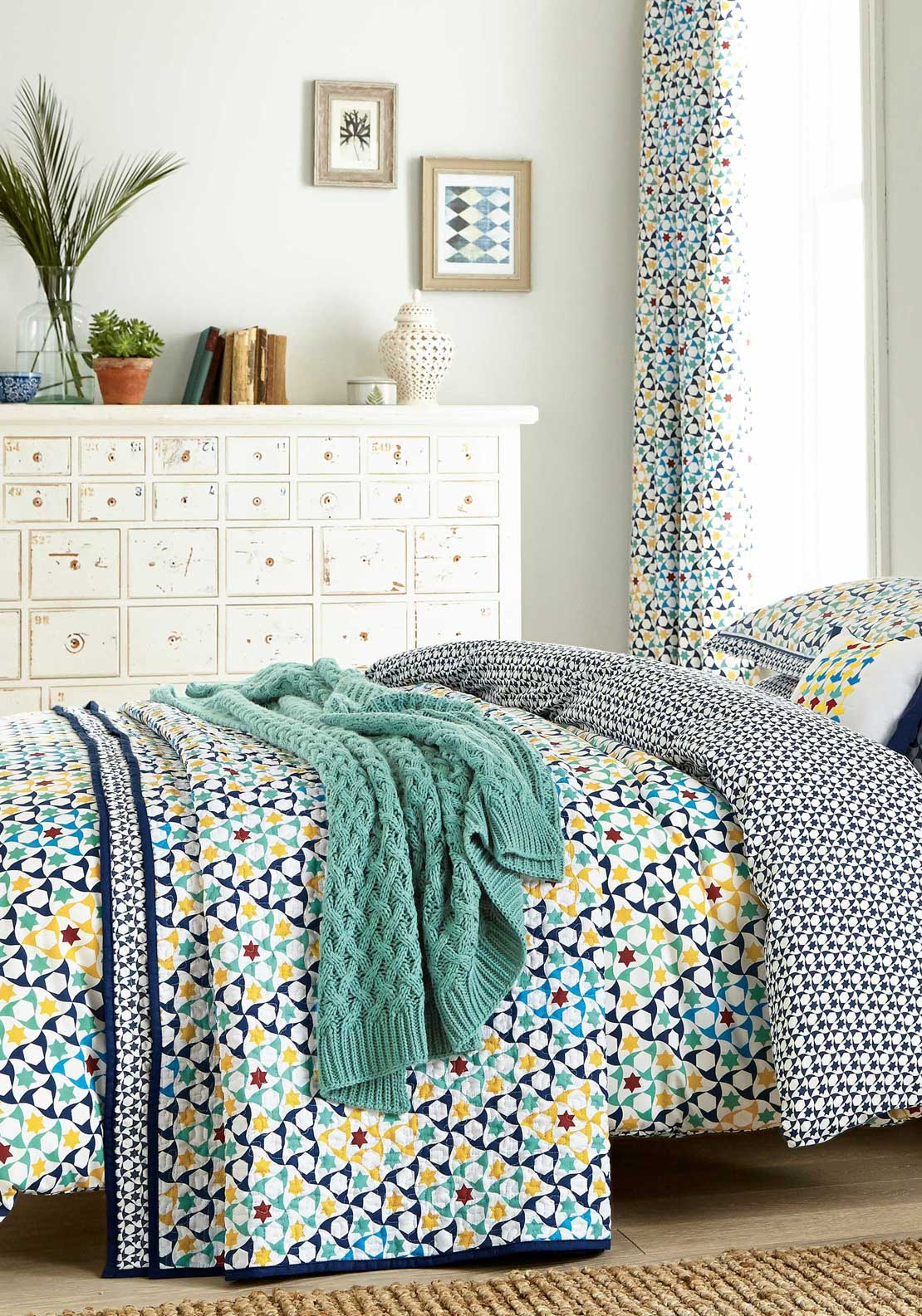 V&A Alhambra Duvet Cover Set, Navy Multi