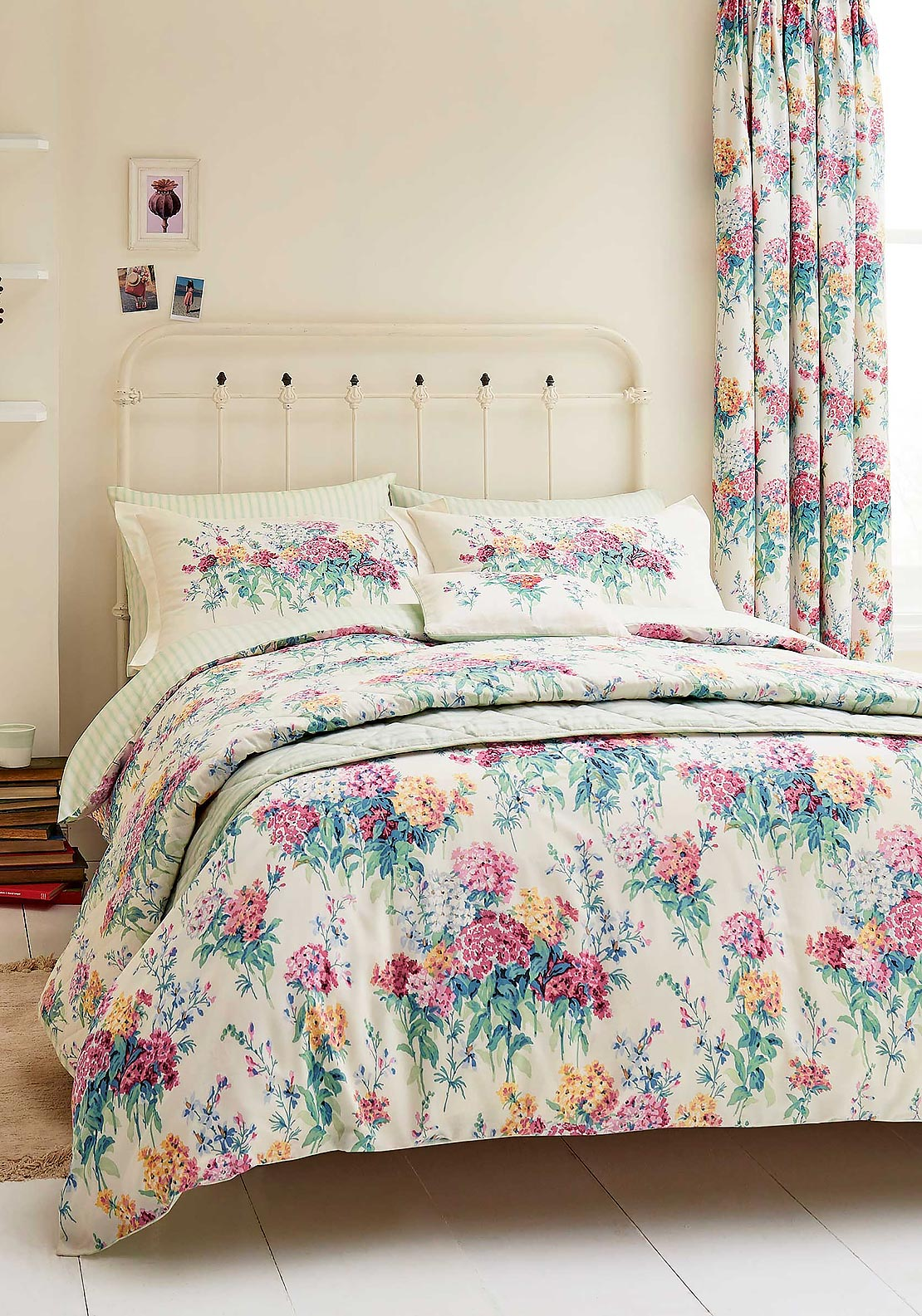 Sanderson Sweet Williams Floral Print Quilted Throw 265 x 260cm, Multi-Coloured