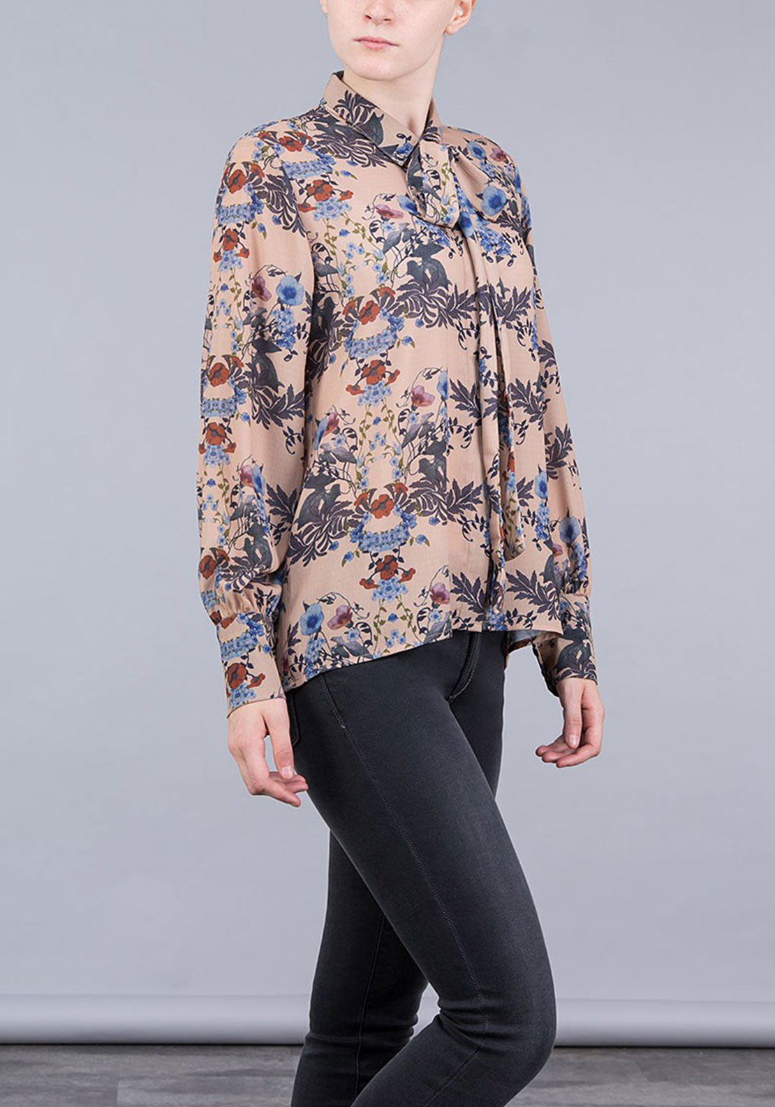 Tiffosi Womens Pam Floral Pussybow Blouse, Nude