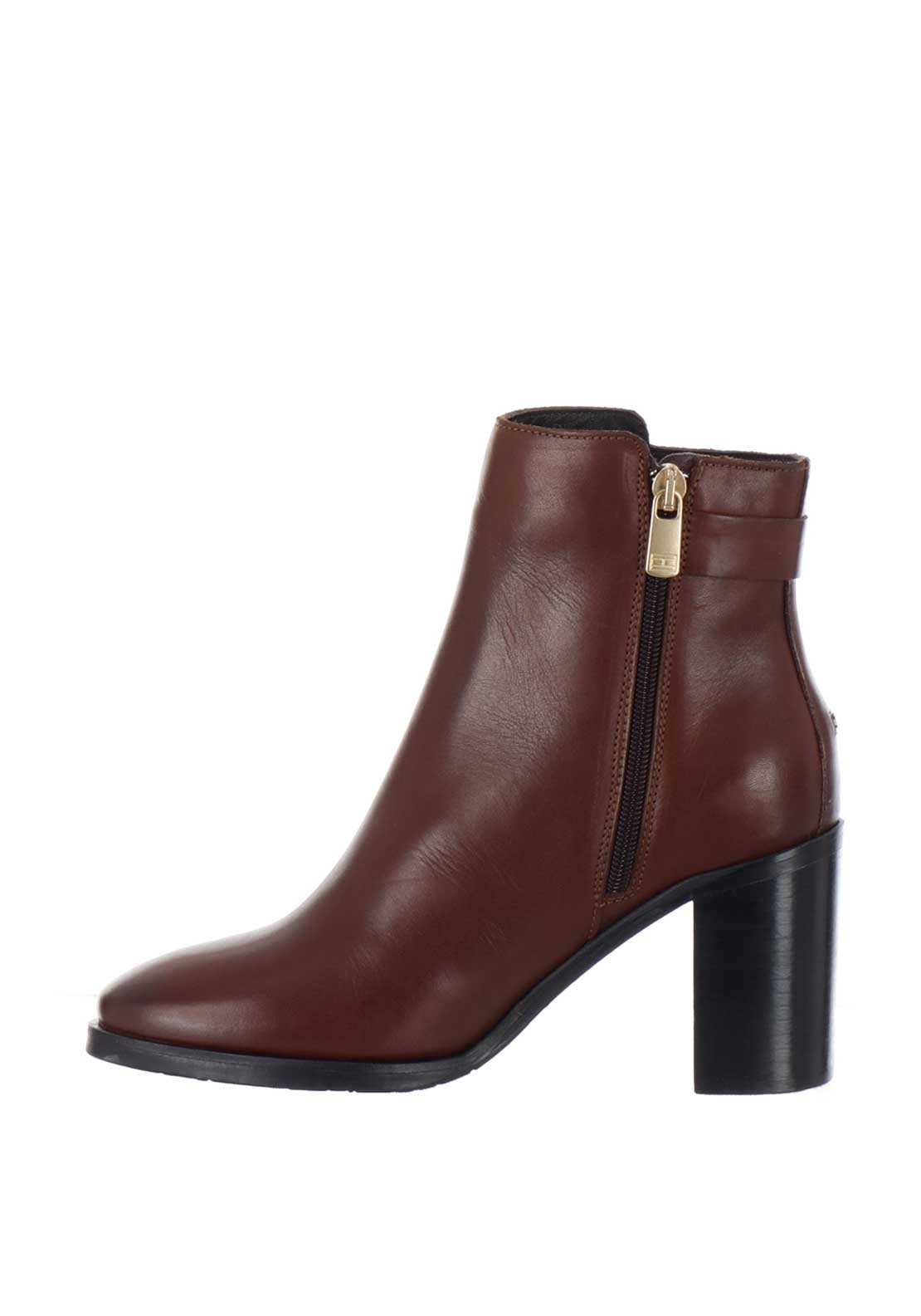 b0dc805debd Tommy Hilfiger Womens Buckle Block Heel Boots, Brown