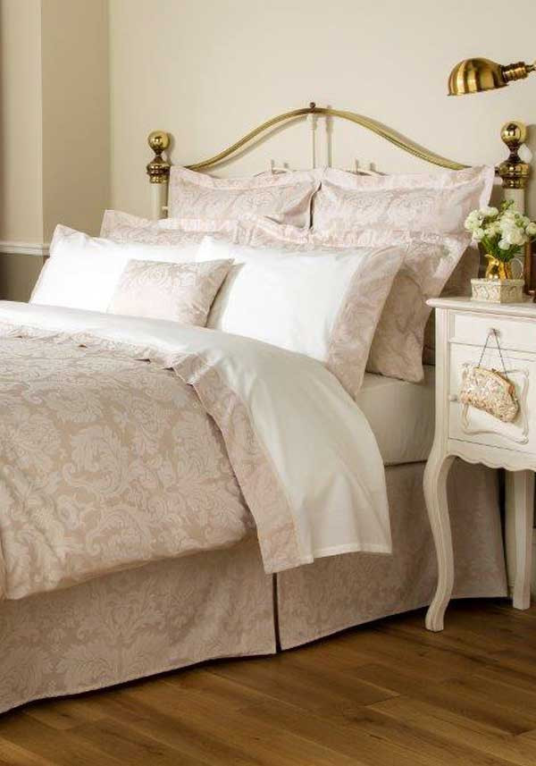Christy Bedlinen Collection Figaro Oxford Pillowcase Pair