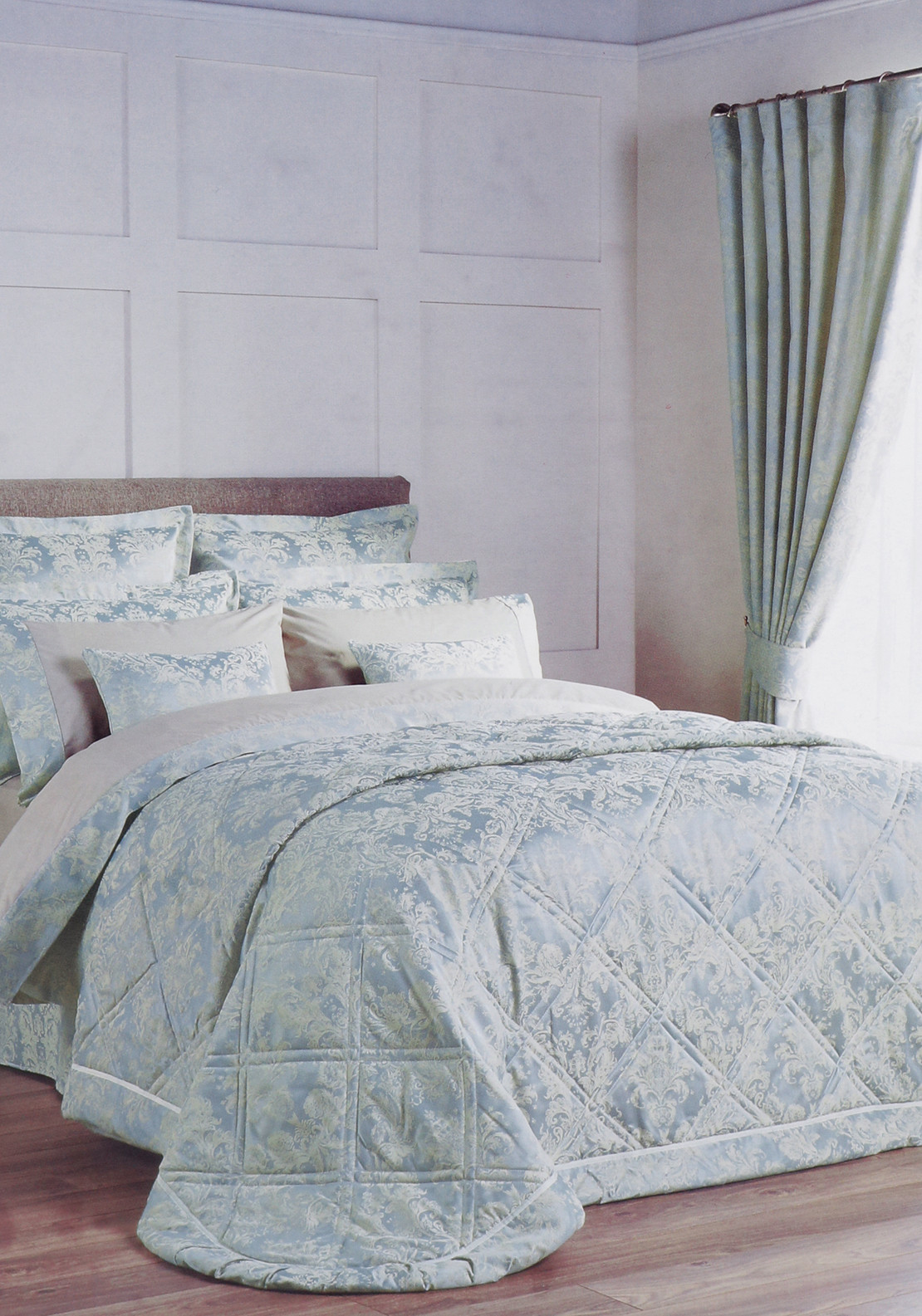 Christy Bed-Linen Collection Serena Bedspread