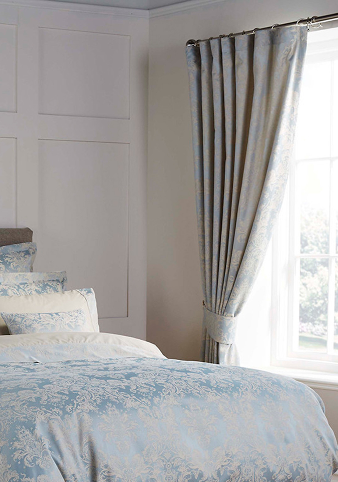Christy Bed-Linen Collection Serena Curtain Set