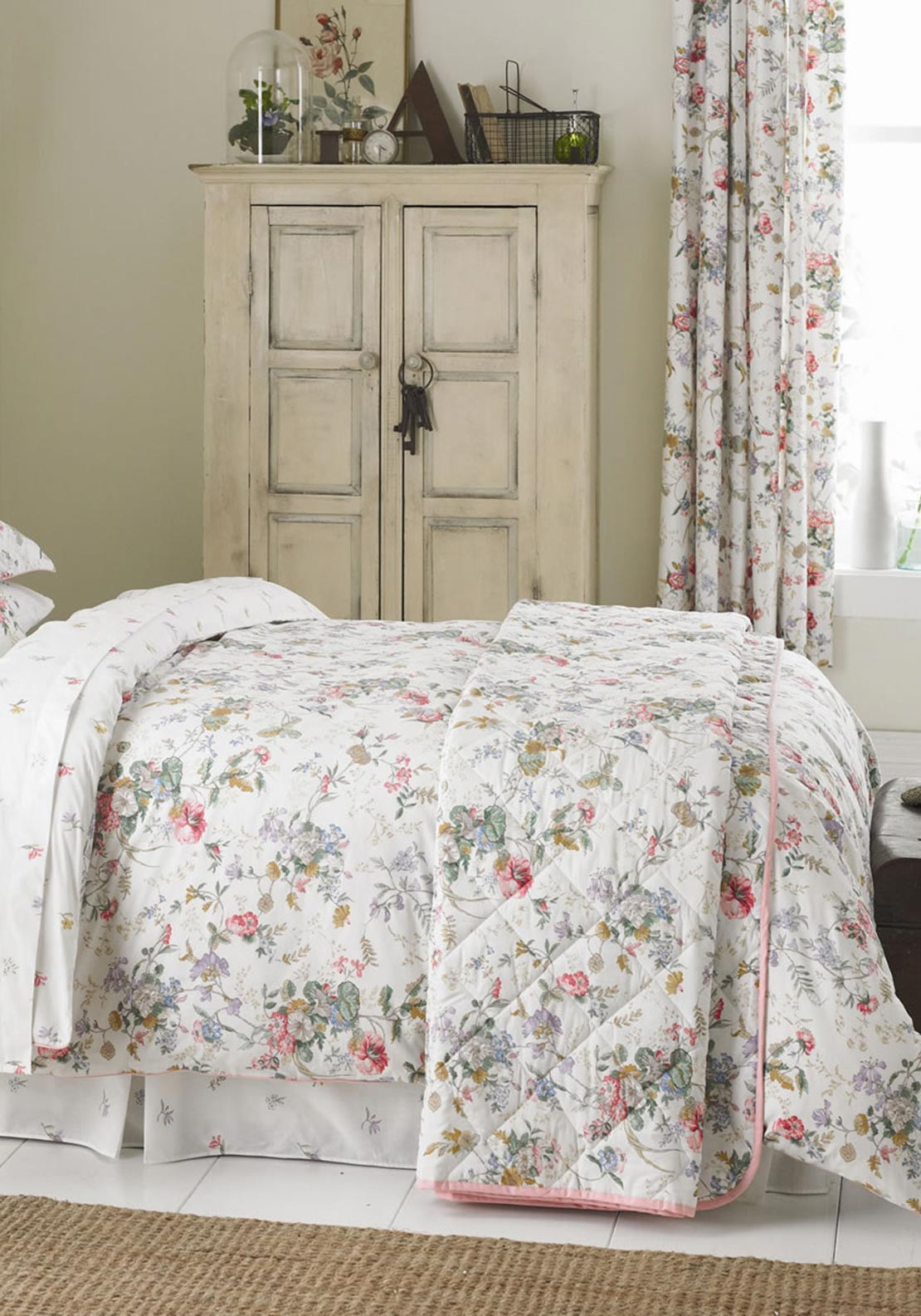 V&A Guinevere Floral Quilted Throw, Multi-Coloured