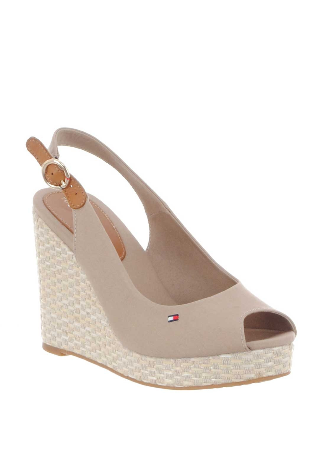 631f82eb4 Tommy Hilfiger Womens Elena Wedged Sandals
