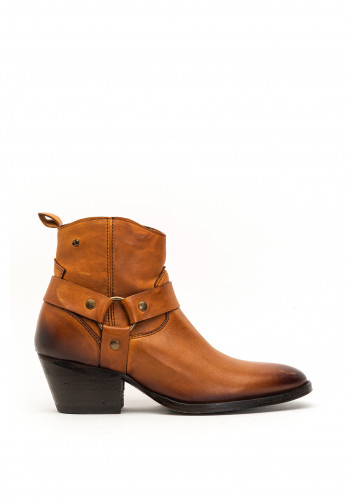 Amy Huberman A Star is Born Leather Boots, Tan