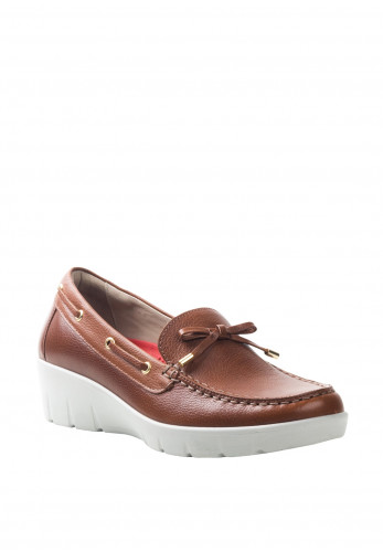Atrai Womens Leather Loafer Style Comfort Shoes, Camel