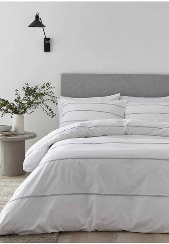 Content by Terence Conran Halstead Pleats Duvet Set, White