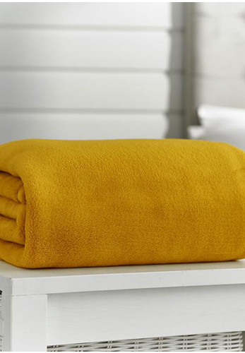 Deyongs Snuggle Touch Fleece Throw, Mustard