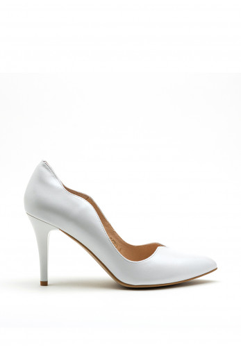 Emis Leather Shimmer Scallop Edge High Heel, White