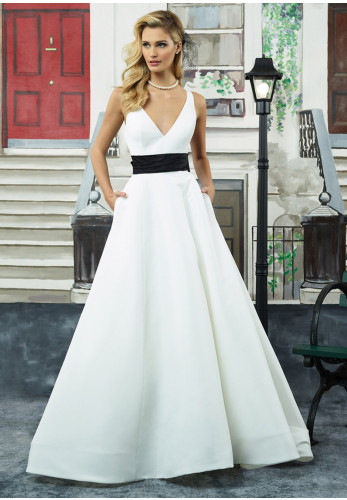 Justin Alexander 8946 Wedding Dress