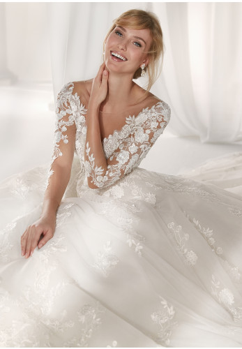Nicole 19039 Wedding Dress