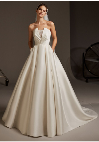 Pronovias Phoebe Wedding Dress, Off White