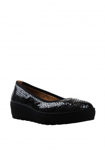 Softmode Michelle Snake Print Wedged Shoes, Black