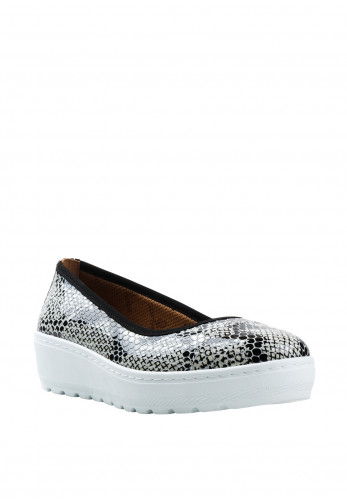 Softmode Michelle Snake Print Wedged Shoes, White