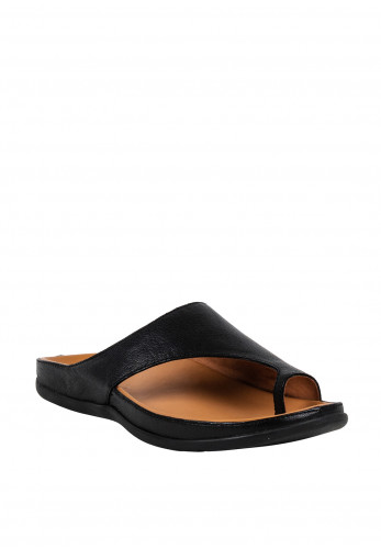 Strive Capri Leather Toe Loop Sandals, Black
