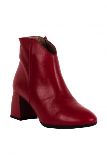 Wonders Leather Pointed Toe Ankle Boots, Ruby Red