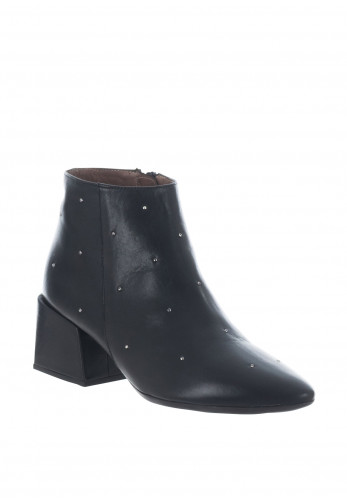 Wonders Leather Stud Pointed Toe Ankle Boots, Black