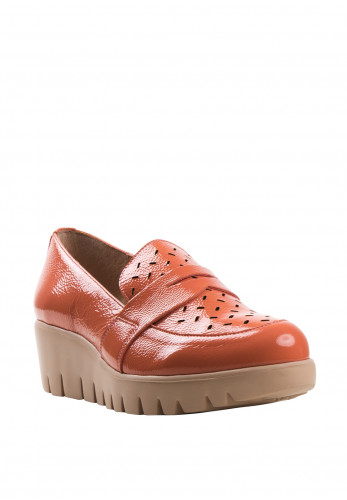 Wonders Fly Patent Leather Laser Cut Loafers, Coral