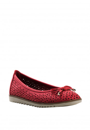 Xti Girls Laser Cut out Pumps, Red